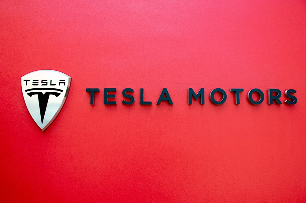 tesla motors case study Tesla motors was riding a wave case flash forward: tesla, inc baker brief update of key changes at a particular company covered in a related case study.