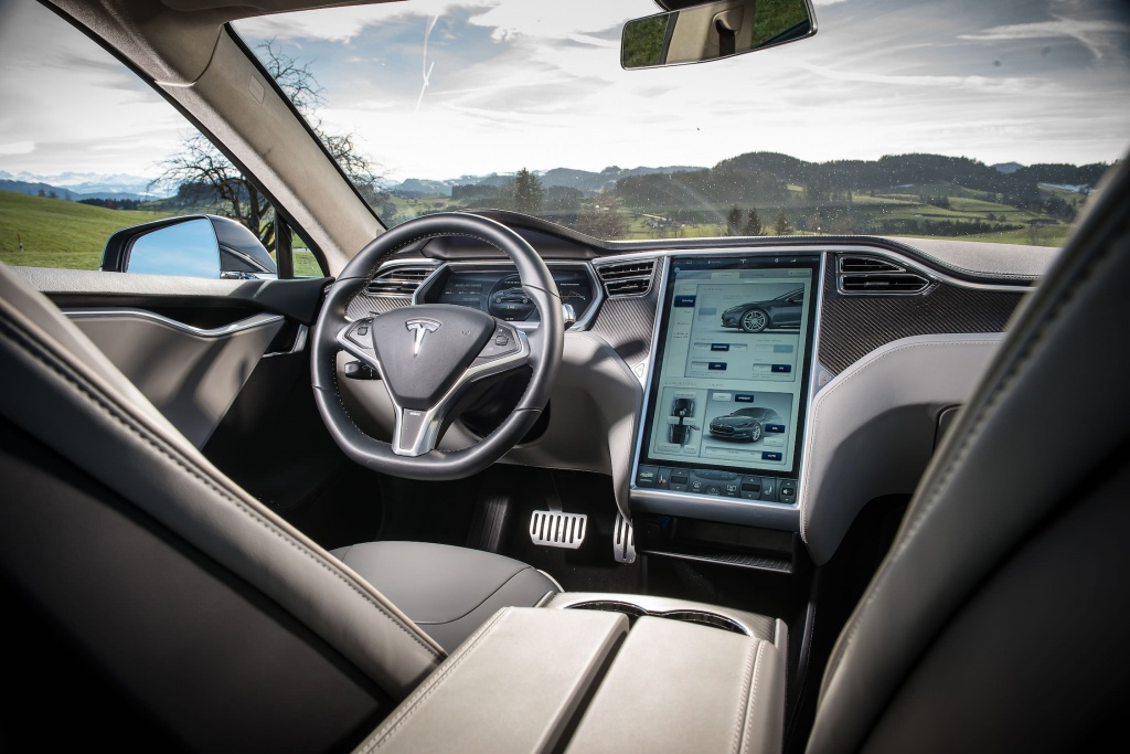 Tesla-Model-S-interieur.jpg